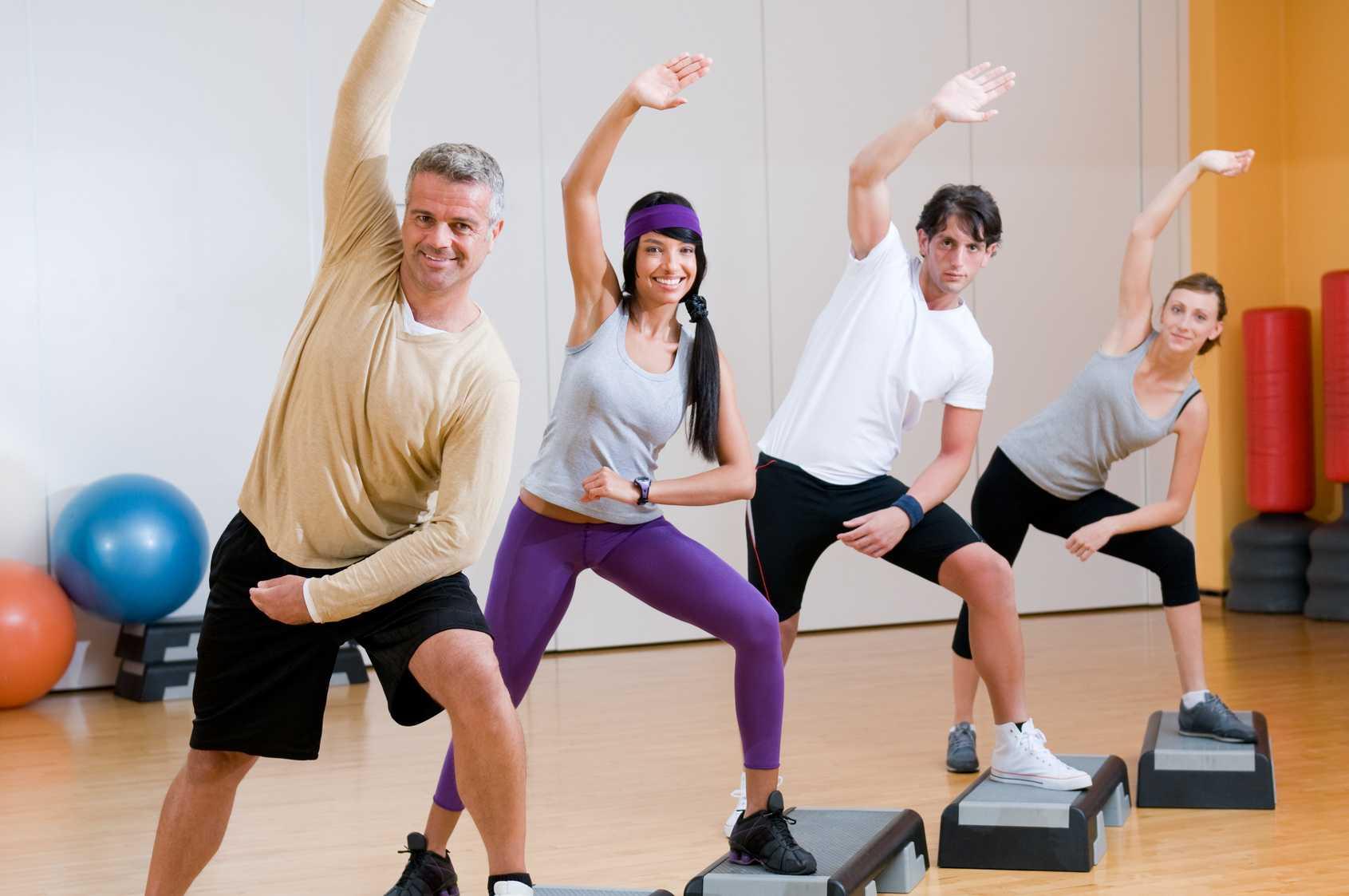 Step aerobic in grup